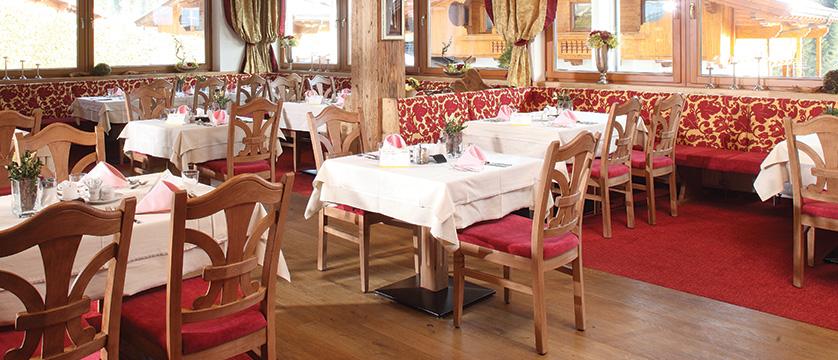 Hotel Alphof, Alpebach, Austria - dining room.jpg